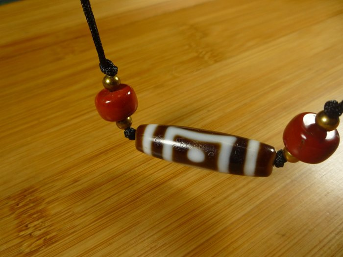 天地眼【珠添神聖】 傳說天珠 西藏 標準型 牙黃  天地眼中眼天珠項鍊  ~隨附收藏珠寶絨布袋~1