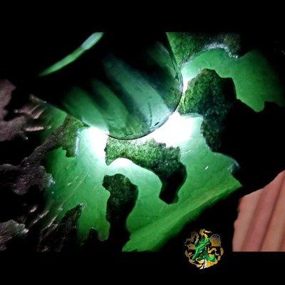 ♪嵐翡翠原石坊❦緬甸天然翡翠原石老坑格應角開口手鐲料開窗面積大.鐲子部位都搞出來了肉質細膩膠感十足冰晴為非常好{已售}