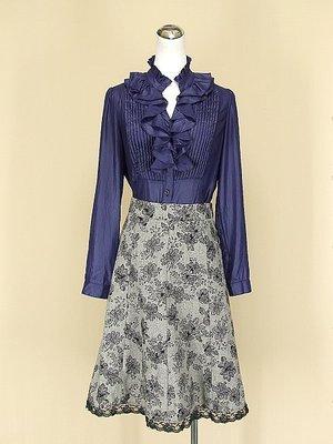 貞新 KUDA 專櫃 靛藍V領長袖緞面上衣M號+youths&maidens 灰色蕾絲毛料針織圓裙M號(45792