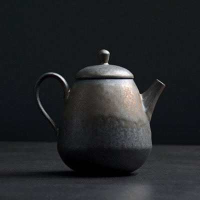 傳藝工坊 - 『鎏金灰念 高山壺』手工茶具 鐵鏽釉 鐵金 茶壺 茶杯 急須 正把 手拉坏 日本茶道 紫砂 柴燒 可參考