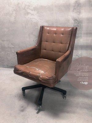 ArtLife @ Vintage 80S Brwon Leather Swivel Chair 格紋皮革 老沙發
