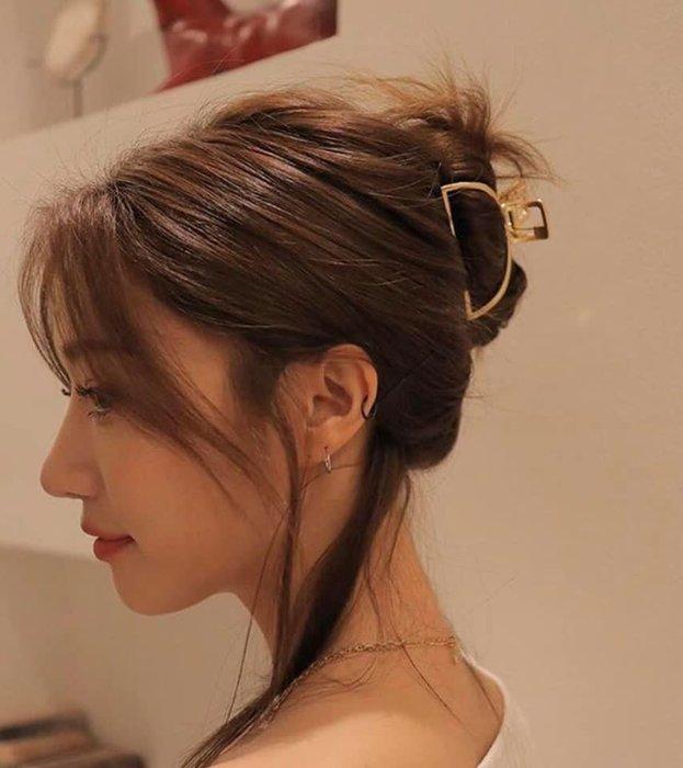 正韓 D字型開口抓家 金或銀 鏤空 超美 極簡推薦 7cm可公主頭可盤頭