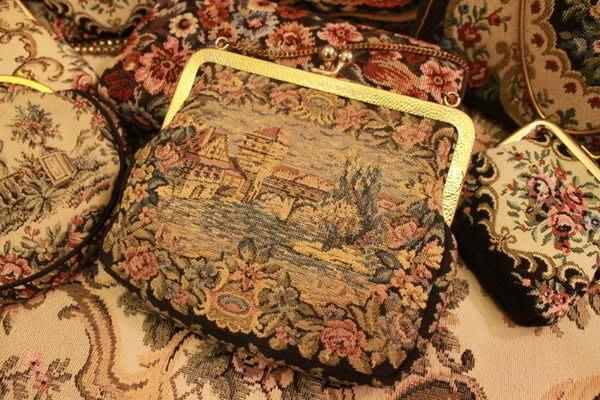 【家與收藏】特價稀有珍藏賠本出清歐洲古董法國古典手工刺繡手拿晚宴古董包刺繡包2