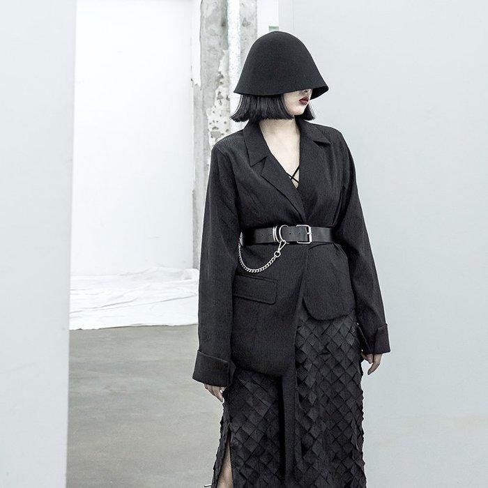 【鈷藍家】暗黑哲學不規則西裝外套女早秋新款原創設計感小眾西裝領不規則時髦飄帶上衣 cs
