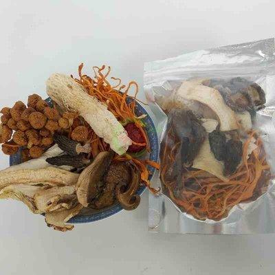 丸子雜貨鋪 35g*3羊肚菌竹蓀松茸湯雜菌湯菌菇湯料包野生菌105g
