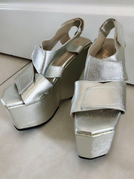 銀色金屬感高跟鞋 秀場鞋