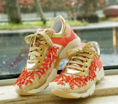 Rene Caovilla Beaded Lace & Leather Sneaker 手工蕾絲鑲珊瑚 休閒鞋
