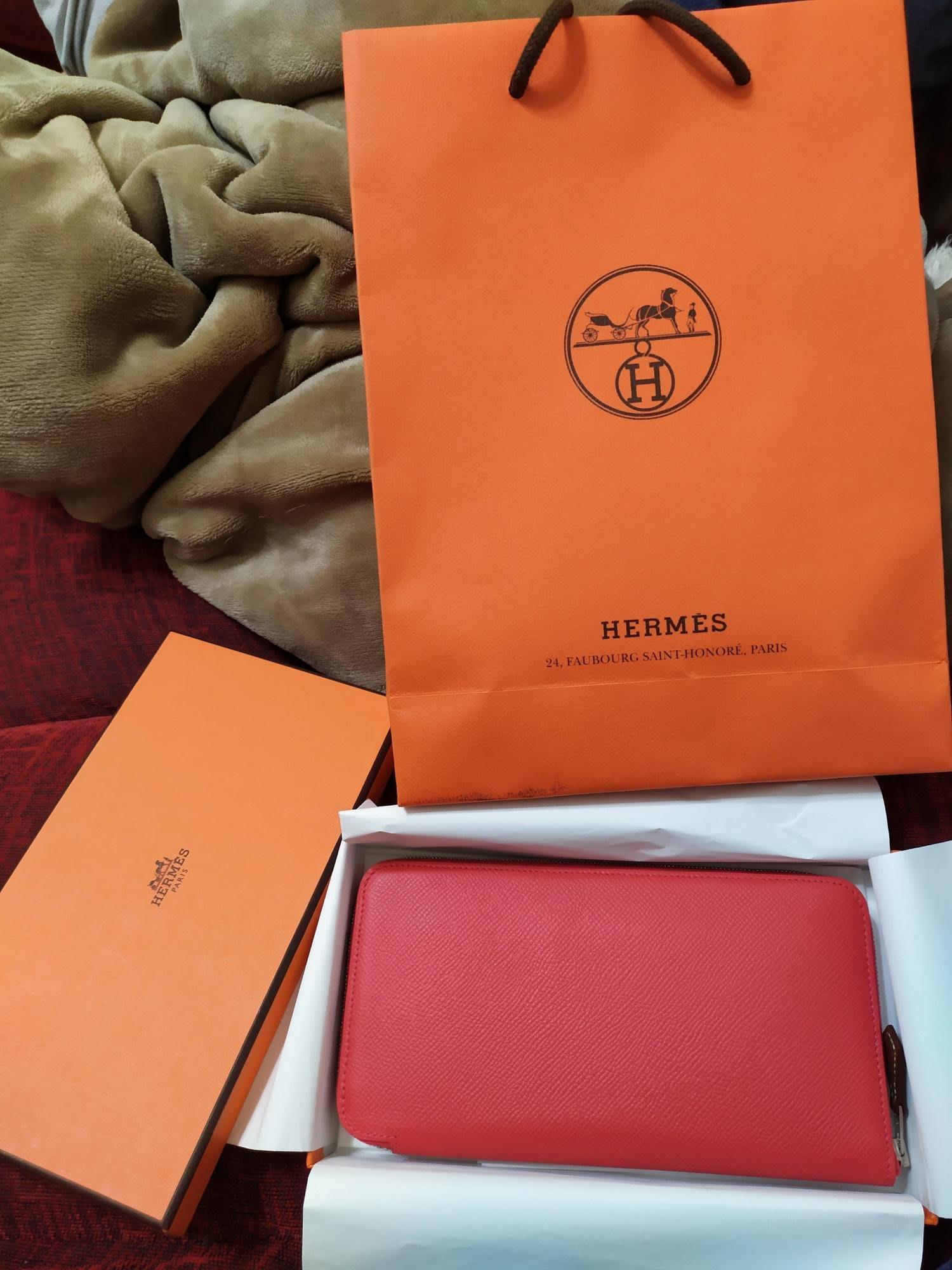 Hermes 愛馬仕】經典silk in系列EPSOM小牛皮拉鍊紅色長夾