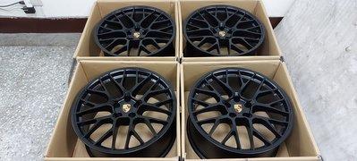 ( 近全新正品 )Porsche Macan GTS 正原廠 20 吋 5 孔 112 前後配鋁圈含全新胎一組