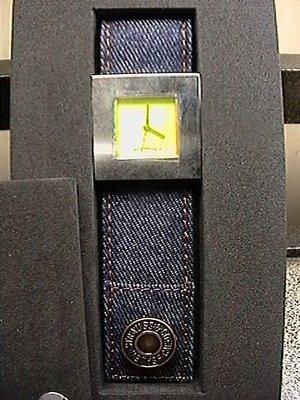 (真品) Levi's 千憘2000年 紀念錶 牛仔布錶帶