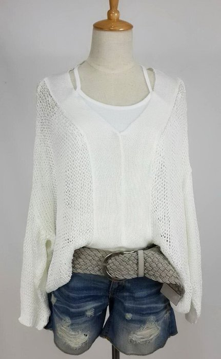 新款純白大V領蝙蝠袖棉質罩衫  現貨一件喔!~
