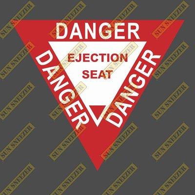 危險 彈射椅 三角形按鈕 紅白 航空防水貼紙 尺寸高88寬85MM