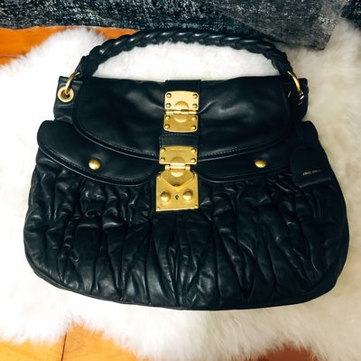 MIUMIU coffer bag  黑色羊皮金扣可芙包