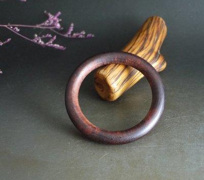 降真香  - 手鐲  手環. 天然降香. 椰香  蘭花香, 內圈5.7公分  K801