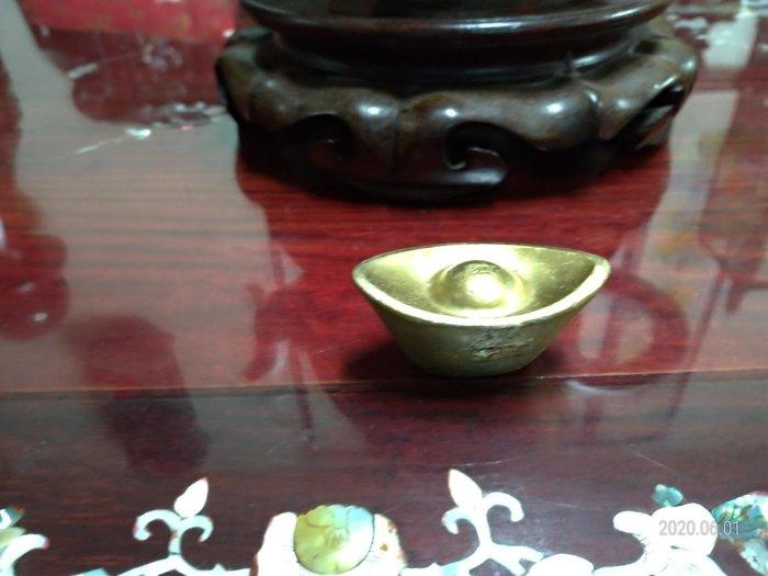 純黃銅/實心元寶/大小請看手比例/放在櫃檯或放在財位有招財開運之作用