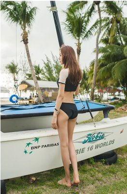 日式外貿出口性感溫泉泳衣女三角分體式黑白色超小比基尼顯瘦聚攏
