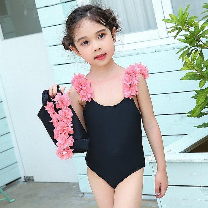 【小阿霏】兒童連身泳衣附泳帽 女童朵朵花兒肩帶一件式泳裝 女孩兩用溫泉泳裝SW39