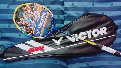 『BAN'S SHOP』 VICTOR 勝利 羽球拍 入門款 新手適用  黃藍色 附拍袋 全新 保證真品