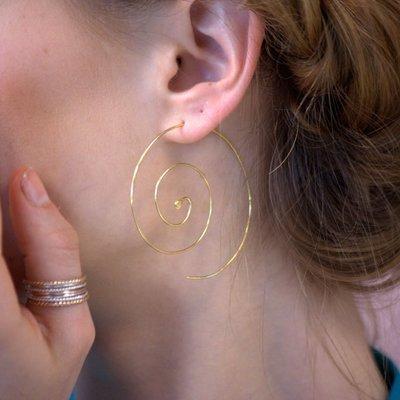 花姑子的賣場【現貨】法國設計師Berenice 純銀鍍金夸張螺旋耳圈耳環 Nebulous
