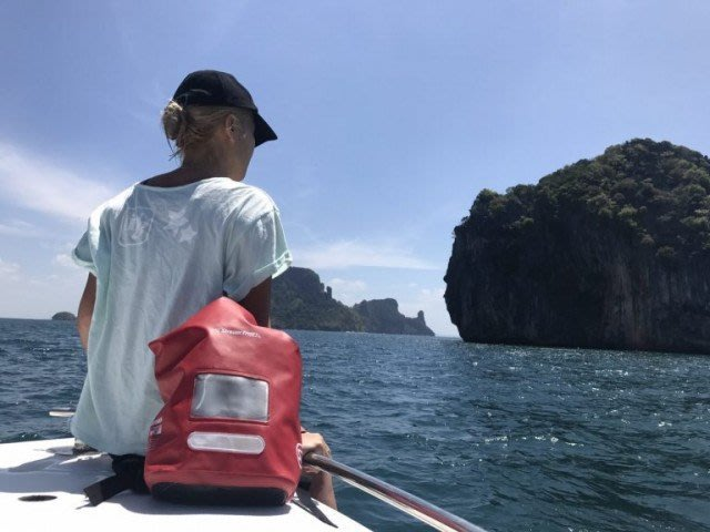 日本Stream Trail 戶外防水包新版方桶包Dry Cube 10L嗆辣紅Chilli 後背包(下雨登山騎車必備)