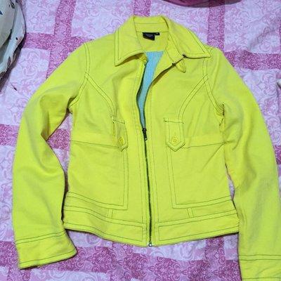 專櫃品牌iroo 短版外套。換季清倉。低價特賣。