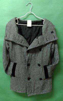 全新-黑白混料編織翻領雙排釦雙口袋連帽長袖大衣 9