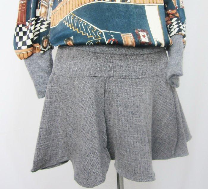 設計款   灰色8片拼接魚尾短裙   現貨一件喔!~