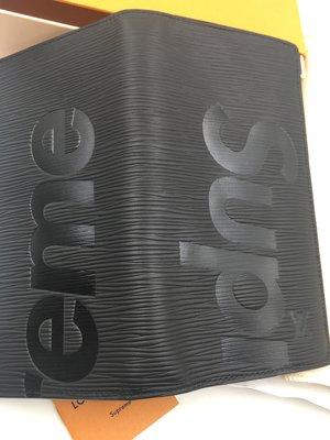 現貨 SUPREME X LOUIS VUITTON LV 聯名 EPI 水波紋 黑 長夾 BRAZZA 限量 刷卡