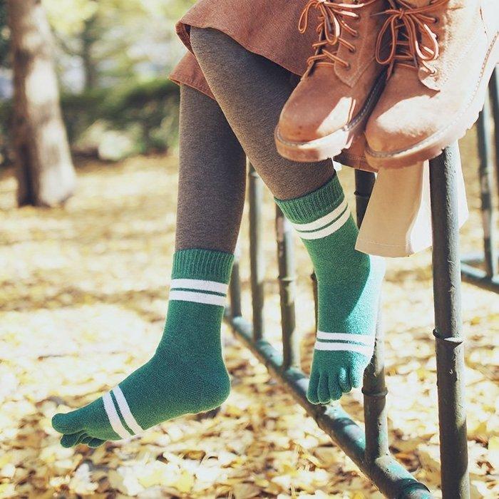解憂zakka~3雙裝冬季加厚中筒羊毛五指襪 女純棉保暖加羊絨分腳趾柔軟