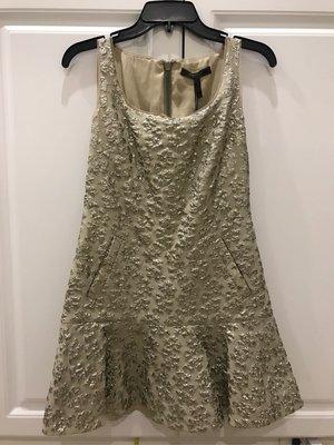 怒拍!全新BCBG 淡金色刺繡小洋裝 XS