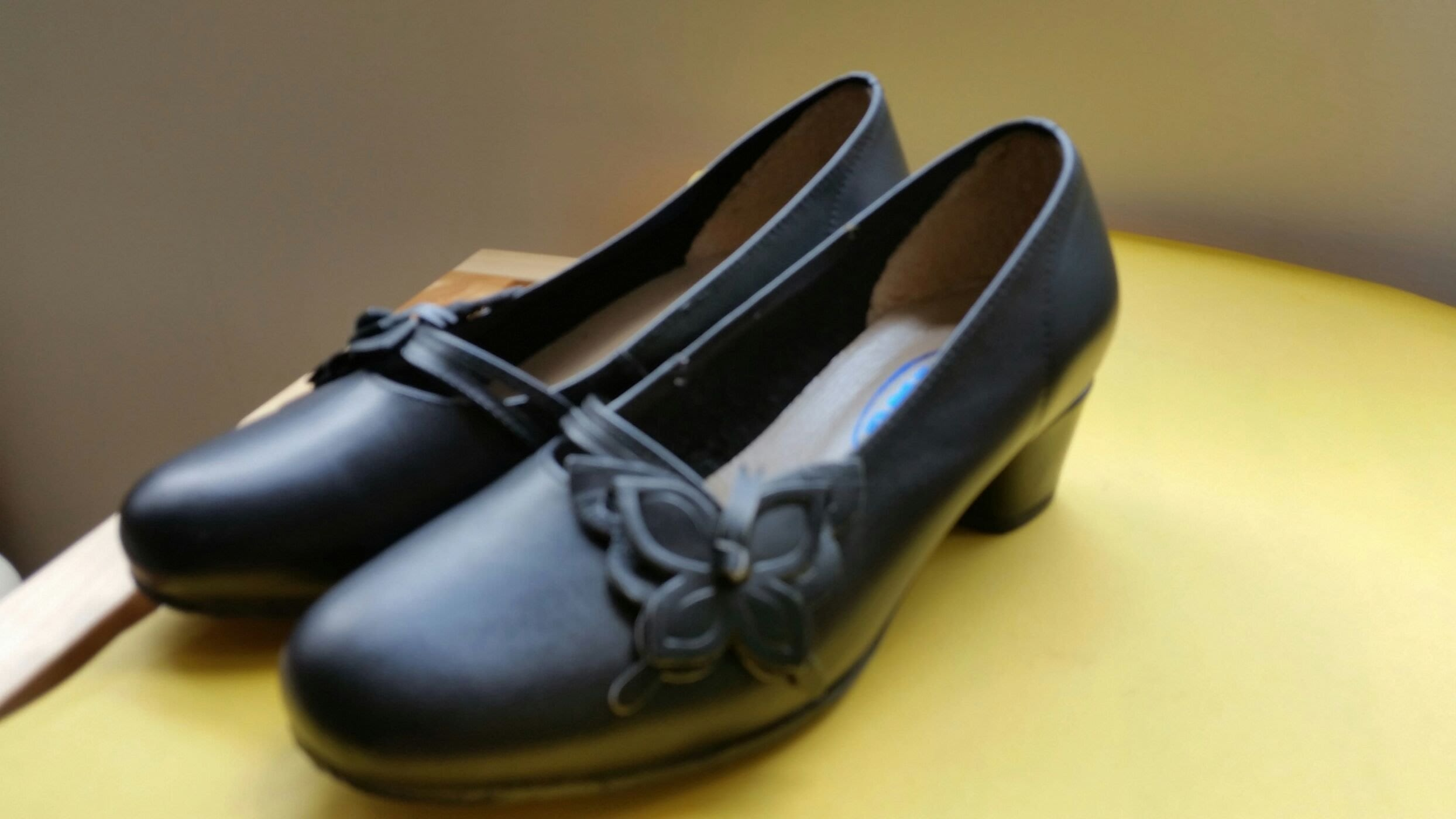 M&G黑色立體蝴蝶 專櫃便鞋 OL款  包鞋 64號小碼 B02