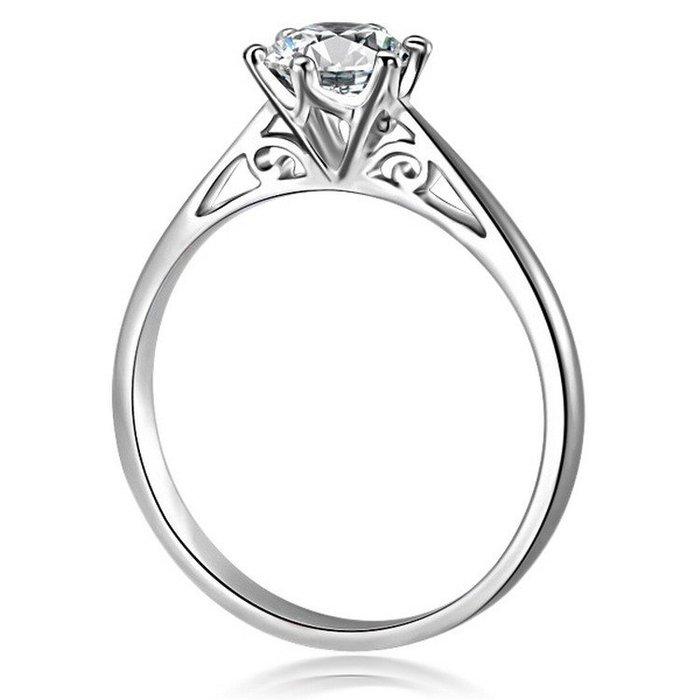衣萊時尚-50分仿真鉆戒大鉆石結婚戒指925銀飾鍍白金男女求婚鋯石情侶對戒