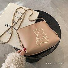台灣 VENUSKISS包包 可愛萌萌小熊刺繡鍊條斜揹包 斜背包/4款/VKS401 預購