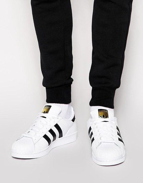 免運【日貨代購屋】代購 日本正品 ADIDAS ORIGINALS SUPERSTAR 金色鞋標 黑白滑板鞋C77124