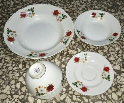 早期 紅白玫瑰花 碗+盤 安億/寶山磁器 大同可參考