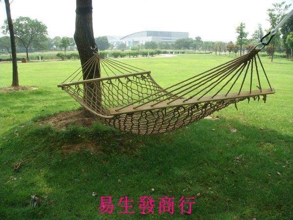 【易生發商行】好運來~戶外室內野營用品 單人加粗加厚網狀棉繩木棍 兒童吊床秋千F6113