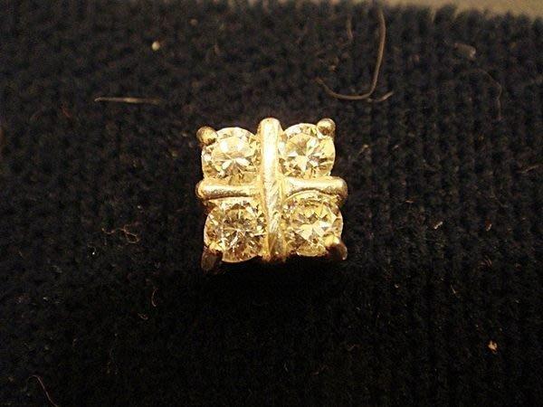 清倉大降價!全新美國 ICING 925純銀鑲方晶鋯石 Cubic Zirconia 造型穿式耳環!低價起標無底價!免運