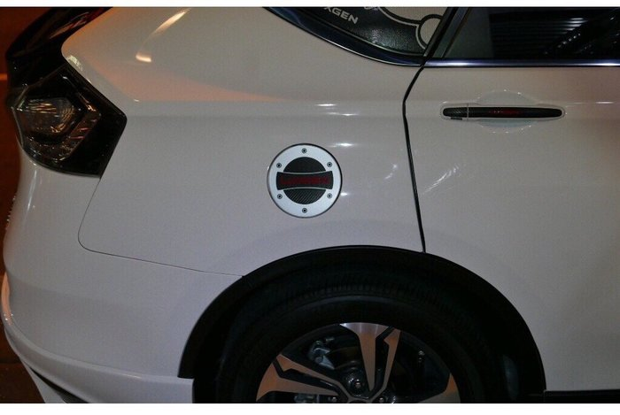 LUXGEN納智捷【S5油箱蓋類金屬卡夢貼】汽車裝飾車貼 ECO 加油孔蓋貼 裝飾造型貼 酷炫潮貼 Sedan5 側貼膜