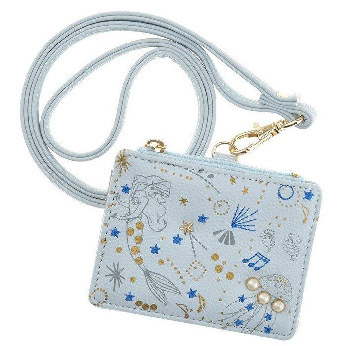 4165本通 小美人魚愛麗兒公主 貝殼/珍珠 刺繡 粉藍色 頸掛繩票卡夾 4936313073621