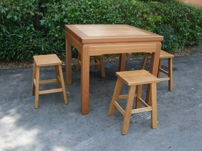 A021 {崙頂傳統原木家具行}~邊框實木桌配高四腳椅 接受訂做.訂色