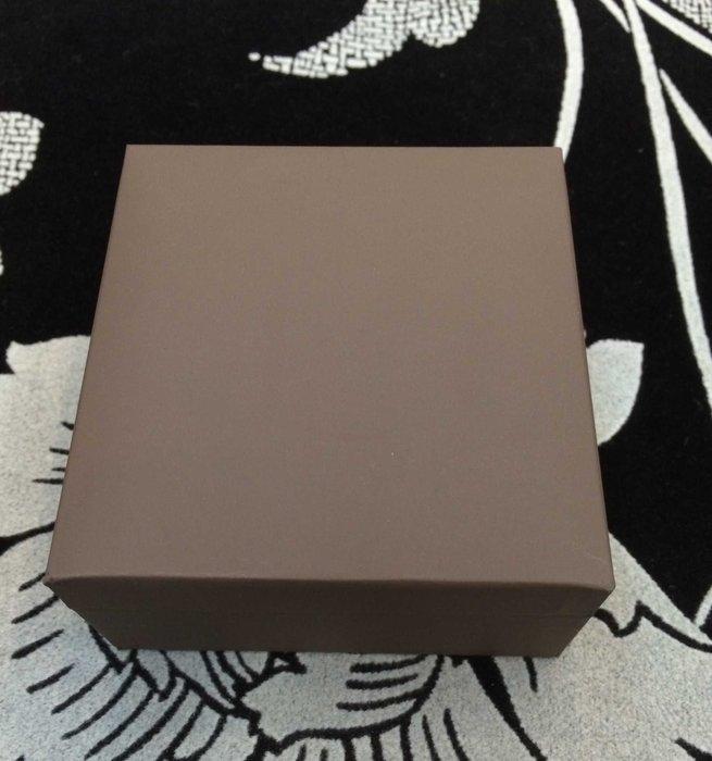 MIT工廠直營~高級咖啡色皮革黑絲絨玉鐲盒9*9*3.5公分展示盒陳列架珠寶盒手鐲盒1打1100免運