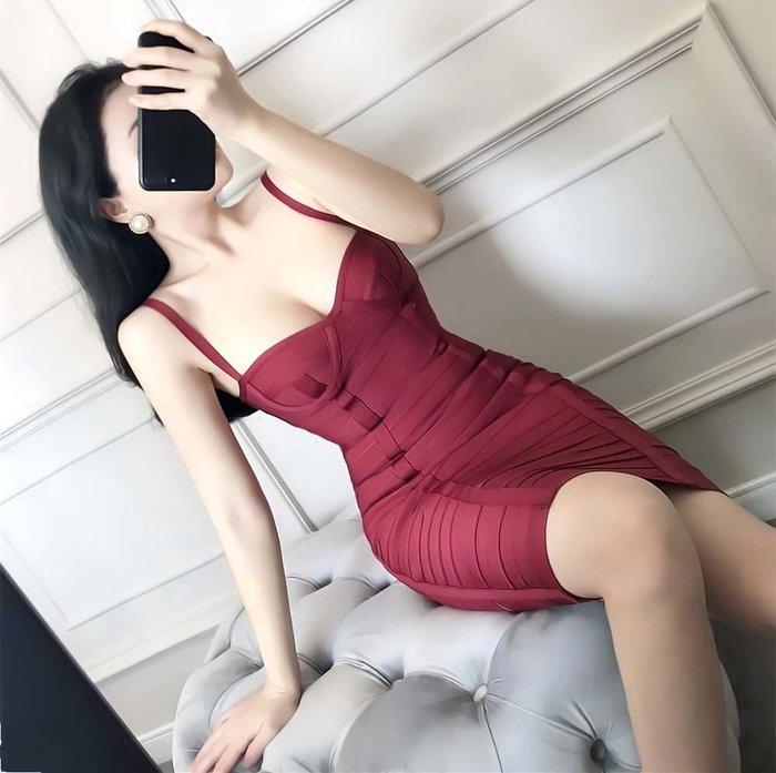♛Doll Min Club 朵米❁國外代購 歐美名媛輕奢繃帶裝 洋氣紐約性感細肩低胸 緊身彈力線條包臀洋裝