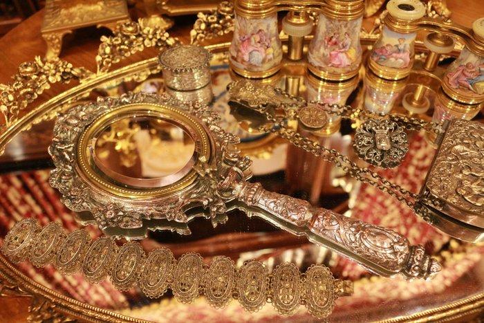 【家與收藏】特價稀有珍藏歐洲百年古董法國19世紀巴洛克時期貴族優雅精緻華麗手工銀雕花鳥手妝鏡