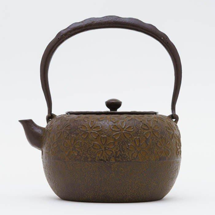 日本鑄鐵壺南部鐵器-【佐藤勝久 廣口丸型櫻1.5L】鐵壺 鉄瓶 煮水 泡茶