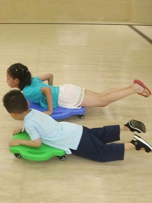 【免運】兒童塑料四輪戶外運動滑板車幼兒園早教感統訓鍊器材平衡車滑行車~『金色年華』