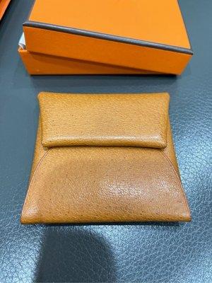愛馬仕 Hermès Bastia 方型扣式零錢包 豬皮 1H Toffee 特殊皮革