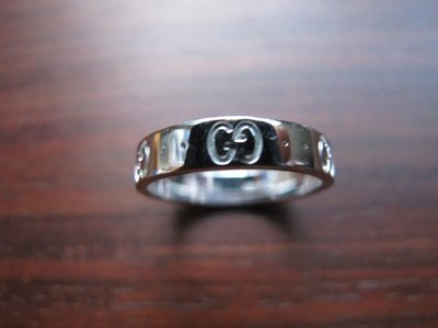 "GUCCI Ring 750/WG ""MADE IN ITALY"" 尺寸13號 重量約3.8克 9成新"