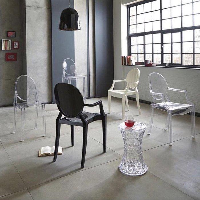 【 一張椅子 】kartell 復刻款,Louis Ghost 路易士透明椅