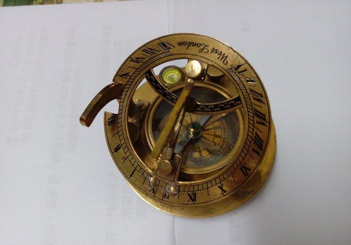 【友客里】((8日晷))- 古代時鐘-日圭-日臬-日規-北半球用-7.5cm