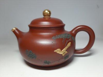 中國宜興紫砂壺~鎏金泥繪容天/大紅袍